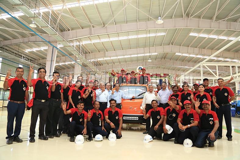 Tata ACE Zip production crosses 1,00,000-mark at Dharwad