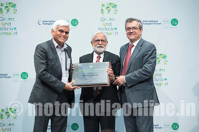 "Kishor Patil, Managing Director and CEO of KPIT receives the ITF Promising Innovation in Transport Award 2016 from K. L. Thapar, Founder and Chairman, Asian Institute of Transport Development, and José Viegas, ITF Secretary-General at the ITF's 2016 Summit on ""Green and Inclusive Transport"" on 19 May 2016 in Leipzig, Germany."