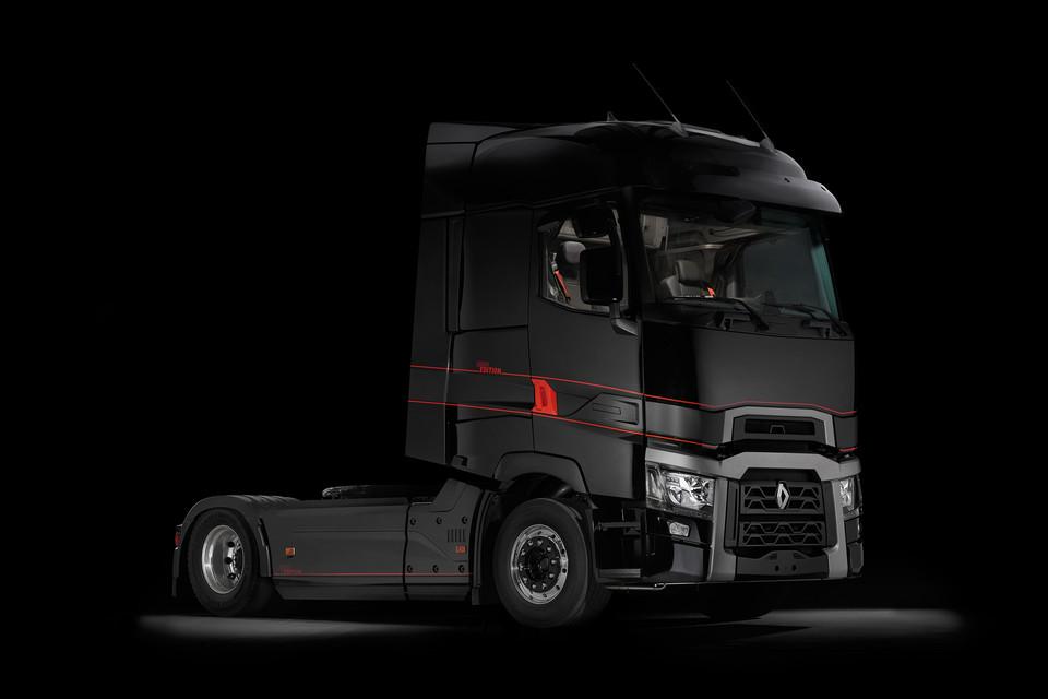 renault presents entire range of robust and adventurous trucks at iaa. Black Bedroom Furniture Sets. Home Design Ideas
