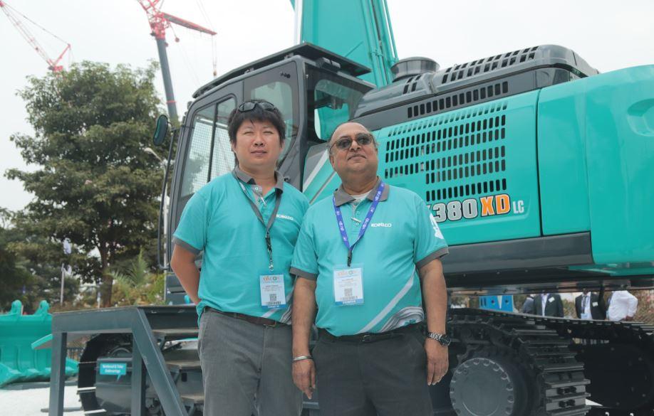KOBELCO showcases innovative long reach excavator